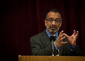 Washington Post senior editor and author Rajiv Chandrasekaran gave the first Faculty Lectureship talk Monday evening. He recounted the reporting that led to his book, Little America. (Photo by Nicholas Demille)