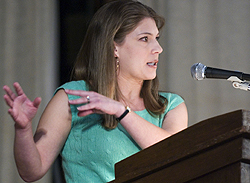 Author Alexandra Robbins kicked off the School of Journalism Spring Speaker Series Wednesday evening at Alumni Hall in the IMU. (Photo by Anna Norris)