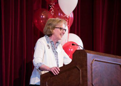 Lecturer Nancy Comiskey administered the awards. (Ann Schertz Photography)