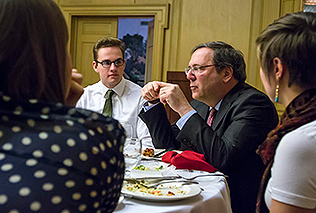 "Earlier in the day, Sanger talked with students over lunch. ""You actually feel your mind expanding every day,"" Sanger said of his life as a reporter. (Photo by Ben Wiggins)"