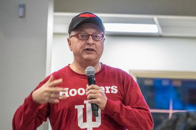 Professor of practice Michael Uslan, BA'73, MS'75, JD'76, speaks in the Franklin Hall commons after a screening of The Dark Knight. Uslan is executive producer of the film and the rest of its trilogy.