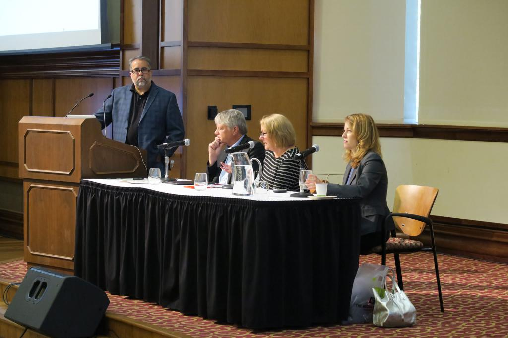 Gerry Lanosga, Brant Houston, Dee Hall and Christina Jewett on a panel.